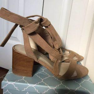 Kenneth Cole block heel